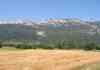 Sur une piste cyclabe, vue sur la montagne