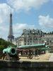 Canons des Invalides et la Tour Eiffel