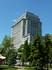 Statues et building à Montréal